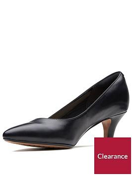clarks-wide-fit-linvale-jerica-mid-heel-court-shoe-black