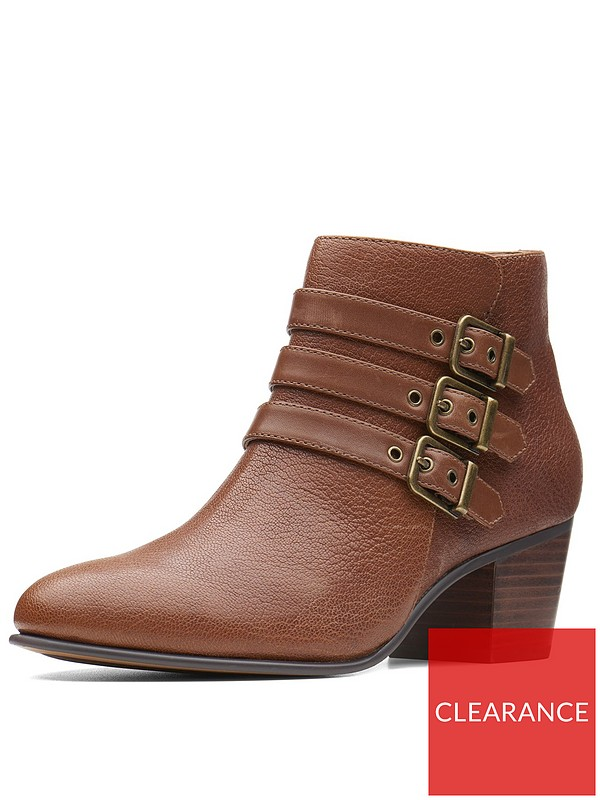 0a4a4e558 Clarks Maypearl Rayna Ankle Boots - Tan | very.co.uk