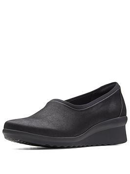 Clarks Caddell Jaylin Low Wedge Slip On Shoe - Black