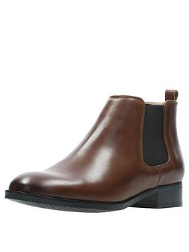 clarks-netley-ella-ankle-boot-tan