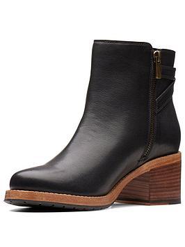 Clarks Clarkdale Jax Ankle Boot - Black