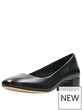 clarks-orabella-alice-low-heel-court-shoe-black