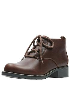 clarks-orinoco-oaks-lace-up-ankle-boot-tan