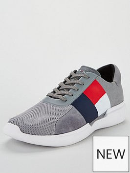 tommy-hilfiger-lightweight-runner