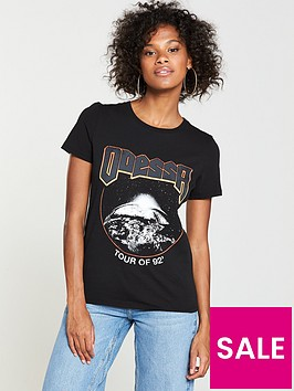 v-by-very-odessa-tour-t-shirt-black