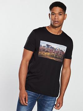 boss-casual-photo-logo-t-shirt