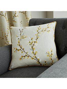 hemsworth-filled-cushion