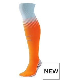 nike-chelsea-1819-3rd-socks