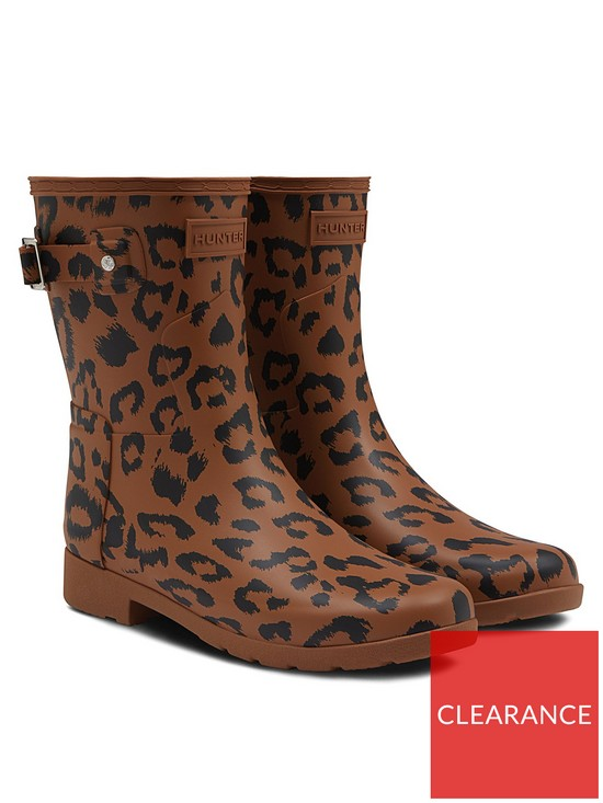 fca5f229ea4e Hunter Hunter Refined Short Hybrid Print Leopard Wellington Boot ...