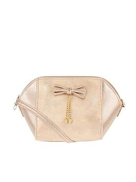 monsoon-heart-tassle-bow-pu-bag