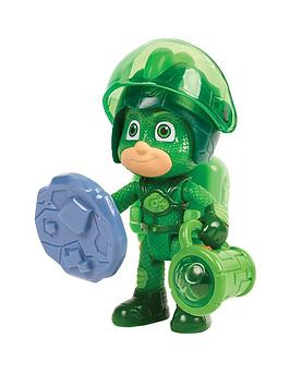pj-masks-super-moon-adventure-figure-and-accessory-set-ndash-gekko