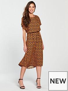 vero-moda-loa-printed-short-sleeve-midi-dress