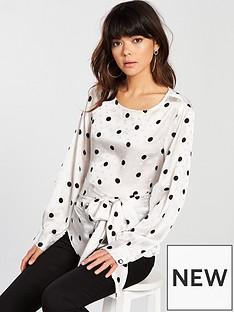 vero-moda-vero-moda-daniella-spot-wrap-detail-blouse