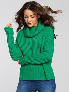 michelle-keegan-oversized-chunky-knit-green