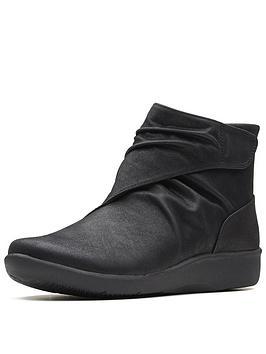clarks-sillian-tana-ankle-boot-black