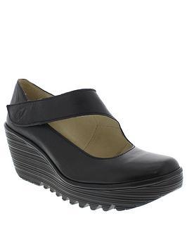 fly-london-yasi682fly-wedge-sandal-black
