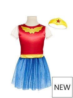dc-super-hero-girls-dress-up-trunk