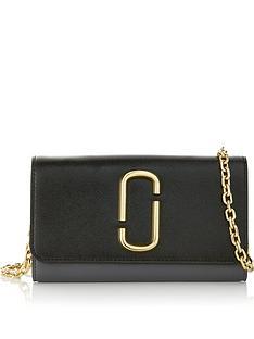 marc-jacobs-snapshot-chain-strap-wallet-bag-black