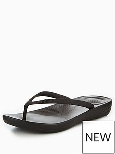 fitflop-iqushion-ergonomic-flip-flops