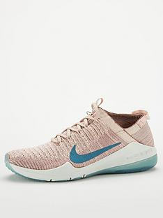 nike-air-zoom-fearless-flyknit-2