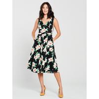 882ad075ad14 Shoptagr | Gardenia Floral Midi Dress Black by Mango