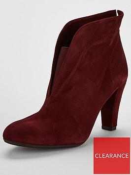 carvela-rida-shoe-boot