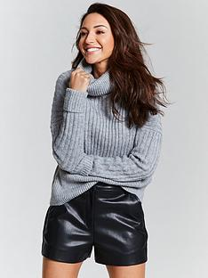 michelle-keegan-oversized-chunky-knit-jumper-grey