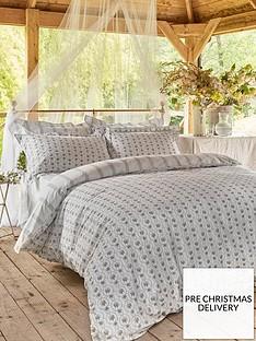 cabbages-roses-julia-100-cotton-percale-duvet-cover