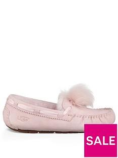 ugg-dakota-pom-pom-moccasin-slipper-seashell-pink