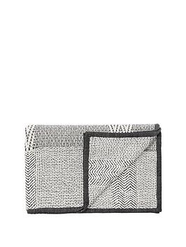 monsoon-monochrome-geometric-throw