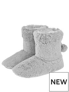 accessorize-furry-slipper-boot
