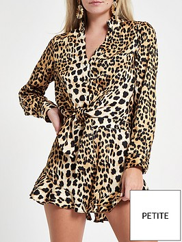 ri-petite-front-knot-wrapped-printed-shirt-leopard