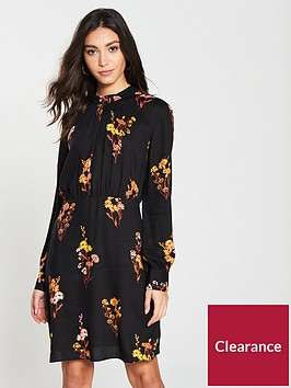 warehouse-glowing-floral-smock-neck-dress-black