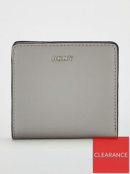 dkny-bryant-bifold-wallet-grey