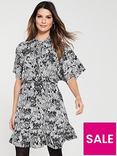 3a94d4e71ee V by Very TIE NECK TEA DRESS