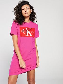 calvin-klein-jeans-iconic-monogram-t-shirt-dress-pink