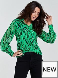michelle-keegan-printed-shirt-print