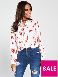 v-by-very-tie-neck-pussybow-blouse-floral