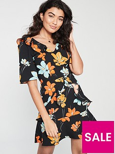 v-by-very-printed-ruffle-detail-tea-dress-multi
