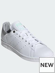 classic fit ff62f 9fd16 adidas Originals Stan Smith - White Silver