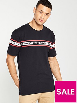 tommy-jeans-repeat-logo-t-shirt-black