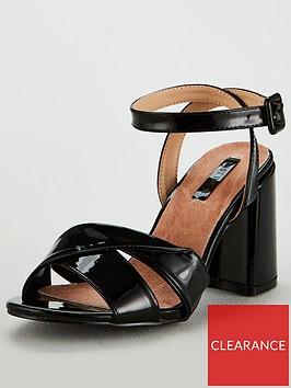 lost-ink-wide-fit-florence-twist-strap-block-sandal-black
