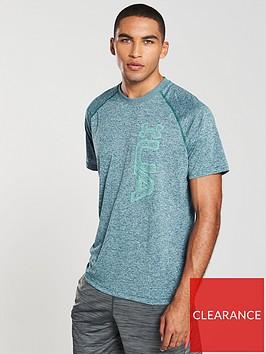 under-armour-graphic-tech-t-shirt