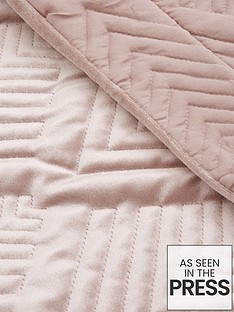 michelle-keegan-home-pink-velvet-throw