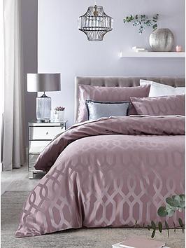 ideal-home-florence-geometric-jacquard-duvet-set