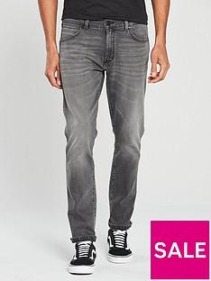 wrangler-larston-slim-tapered-leg-jean