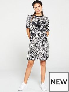 8a649566237 adidas Originals Tee Dress Aop - Ecru