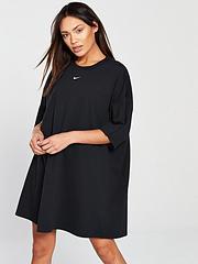 4980f8dc26f Nike Sportswear Essential Dress - Black