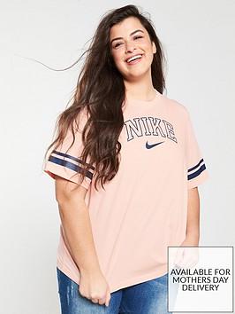 nike-sportswear-varsity-ss-tee-curve-coralnbsp