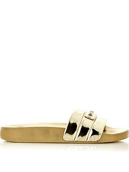 love-moschino-logo-slides-gold